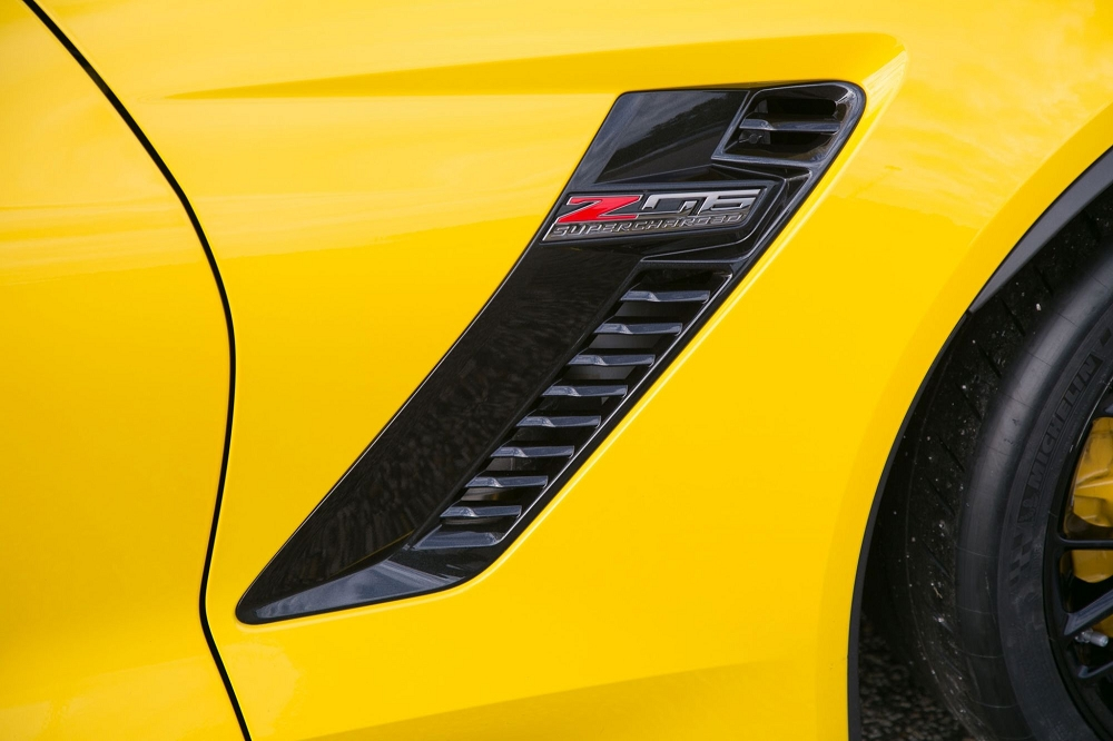 C7 Corvette 2015-2019 Z06 Unpainted Side Fender Duct Vents - Pair